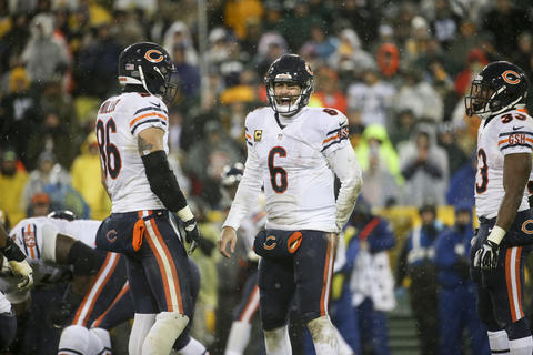 Jay Cutler yells to the offensive line during the second half against the Green Bay Packers.