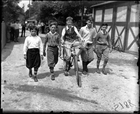 Gilbert Livingston, Bradley Clarkson, Billy Sheahan (on bike), Bud Forbes and Edwin Orr in1930 in Chicago.