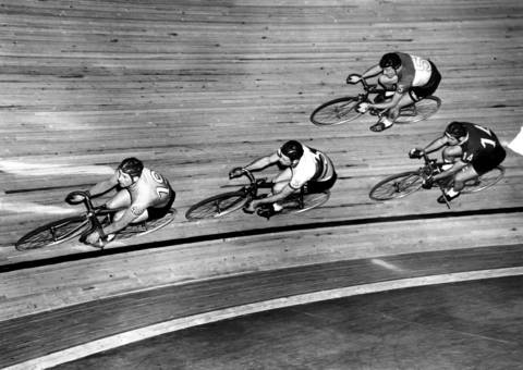 After a 10-year hiatus in Chicago, the six-day bike race was back on March 25, 1957, at the International Amphitheater in Chicago.