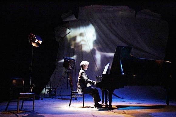 "Hershey Felder in ""Maestro: The Art of Leonard Bernstein"" at the Geffen Playhouse."