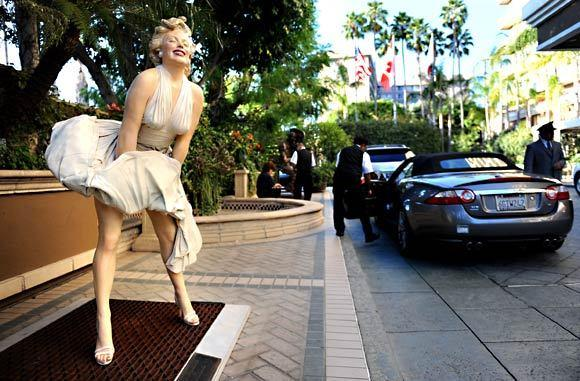 A statue of Marilyn Monroe stands outside the Four Seasons Los Angeles at Beverly Hills.