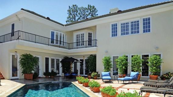 Hot Property: Nancy Sinatra