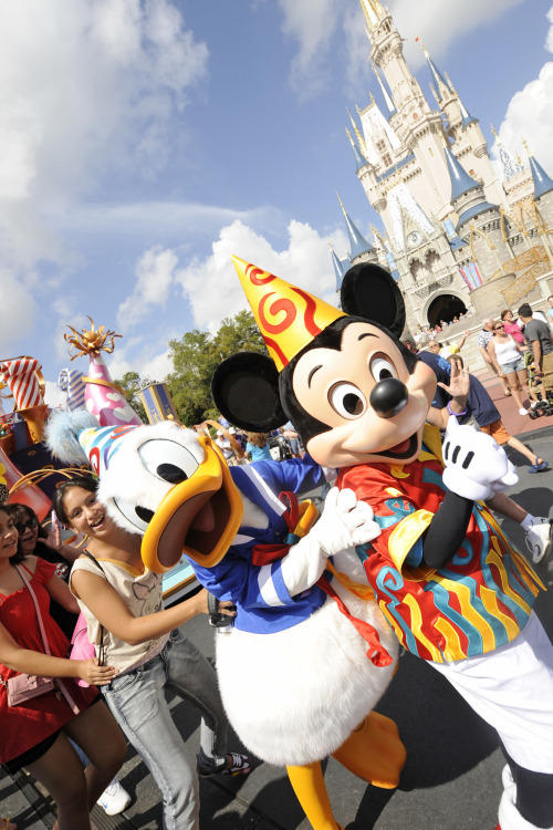 "No. 49 on <b><a href=""/travel/attractions/orl-top-50-orlando-attractions-photos,0,4689152.photogallery"">Dewayne Bevil's Top 50 Orlando Theme Park Attractions</a></b>. Move It! Shake It! Celebrate It!, Magic Kingdom. Part parade/part street show pulls out the stops: characters, stilt walkers, dancers, streamers and pop music that gets guests literally dancing in the street."