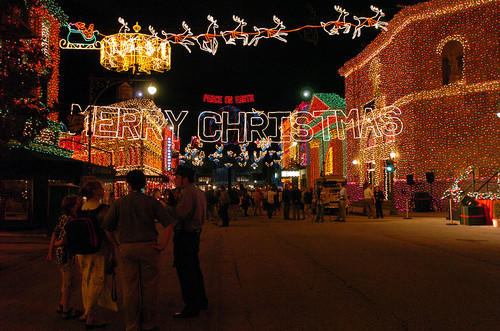 <b>The Osborne Family Spectacle of Dancing Lights-Hollywood Studios:</b> Nov. 8, 2013-Jan. 5, 2014 on the Streets of America at Disney's Hollywood Studios theme park is a massive seasonal display featuring millions of