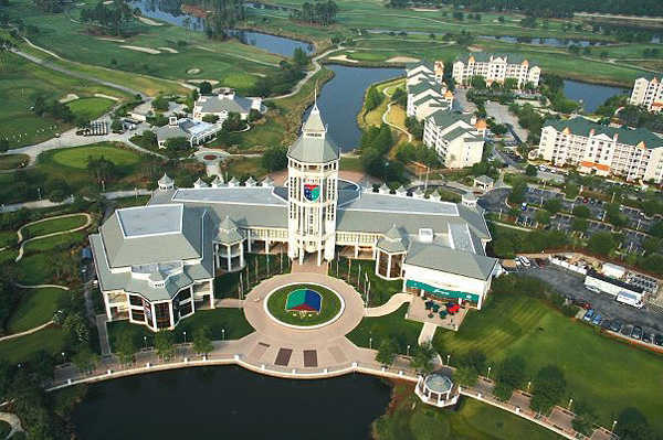 "World Golf Village has the only resort golf courses in the world designed as collaboration between Hall of Famers Arnold Palmer & Jack Nicklaus and Sam Snead & Gene Sarazen.<br> <br> <b><a href=""/orl-florida-golf-guide-world-golf-village,0,2176973.story"">Read the course profile and see more photos</a></b>"