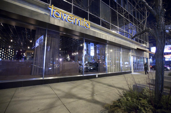 For month-old restaurant Tavernita, delay-induced anticipation (summer 2011 was the goal) plus a hot-stuff chef (Ryan Poli of Perennial, and before that, Butter) has added up to deafening buzz. Pile onto that the name recognition of the owners (the same group as nearby River North taco palace Mercadito) and a seriously sophisticated drink selection (48 taps go way beyond beer), and it's no w