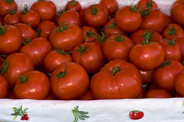 Big Dena tomatoes grown by Elser's Country Farm in Yucaipa, at the Torrance farmers market.