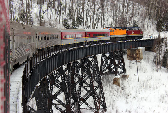 Travel on the Agawa Canyon Snow Train