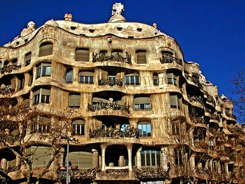 La Pedrera, designed by famed Barcelona architect Antoni Gaudi, is hard to miss on Paseo de Gracia, one of the city's most beautiful streets.