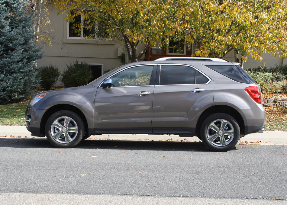 "<a href=""http://www.cars.com/chevrolet/equinox/2012/"" target=""_new"">2012 Chevrolet Equinox prices, photos & reviews</a>"