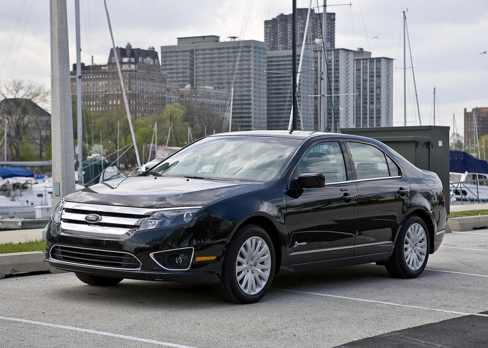 "<a href=""http://www.cars.com/ford/fusion/2012/"" target=""_new"">2012 Ford Fusion prices, photos & reviews</a>"