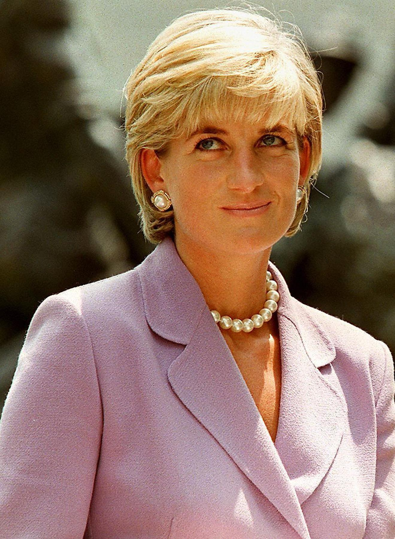 Pictures: Cruise ship godmothers - Princess Diana
