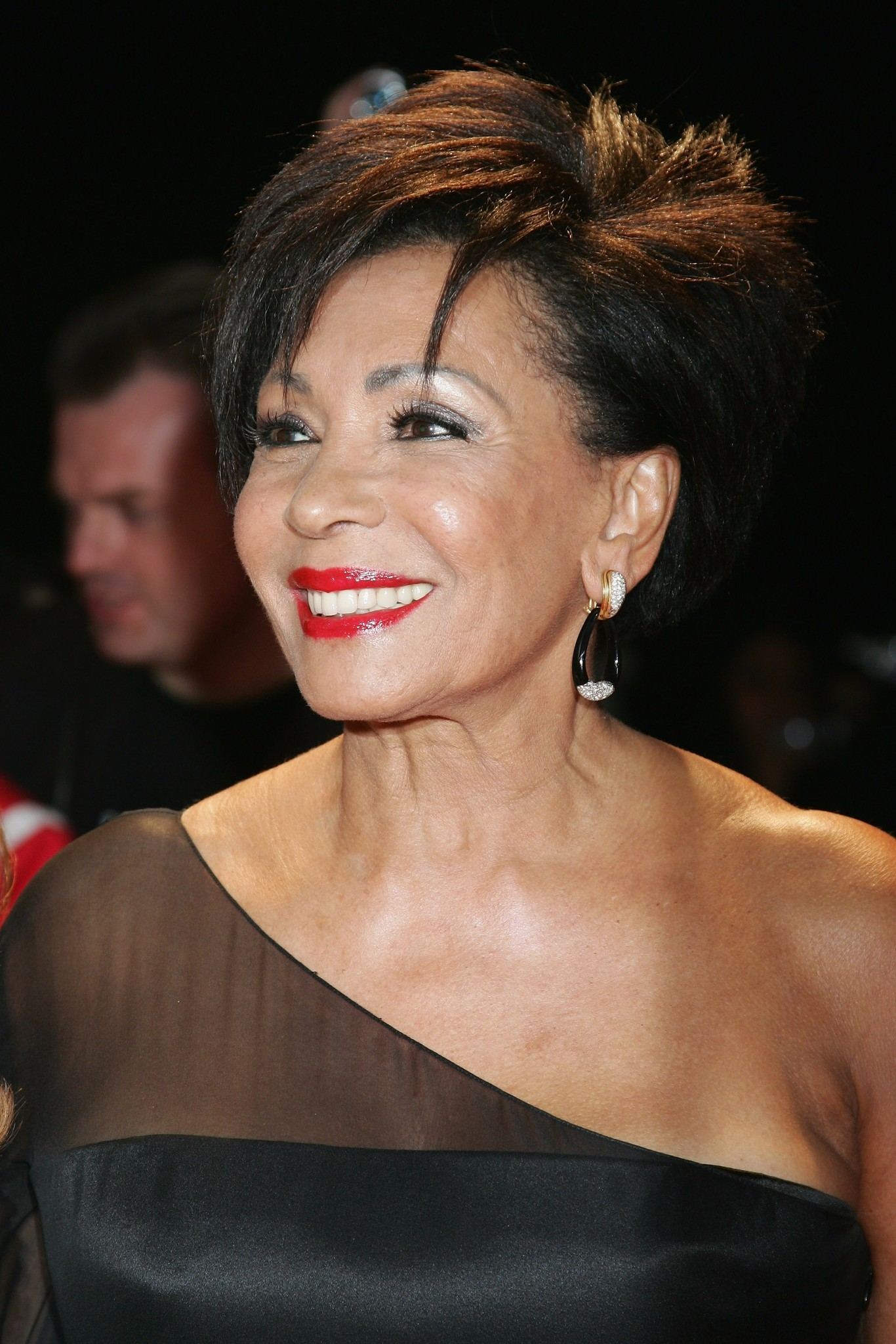 Pictures: Cruise ship godmothers - Shirley Bassey