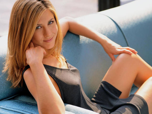 Jennifer Aniston Spends $8,000 a Month on Her Beauty Regimen?!
