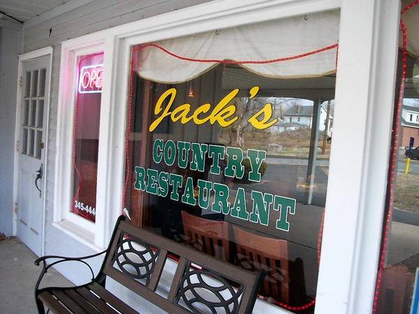 Jack's Country Restaurant in Higganum offers delicious breakfast options 7 days a week.
