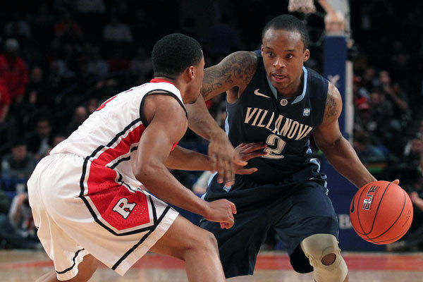 Villanova Wildcats guard Maalik Wayns goes to the hooop against Rutgers.