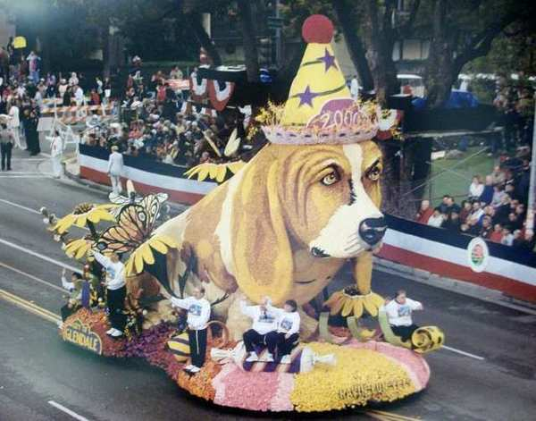 This sad-faced basset hound, on Glendale's 2000 float and initially titled 'Party Animal' created tremendous controversy. It was later changed to 'Havin Fun Yet?'