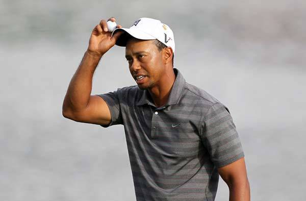 Tiger Woods leads Saturday at the Arnold Palmer Invitational.