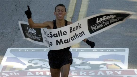 Khalid Khannouchi winning his fourth Chicago Marathon title in 2002.