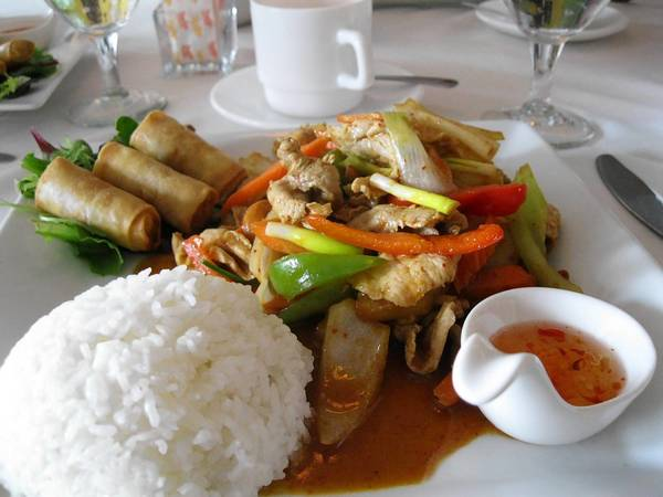 The Cashew Nuts lunch special at Sweet Chilli in West Hartford.