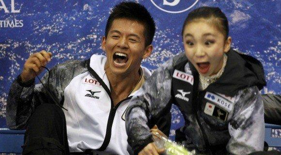 Mervin Tran and Narumi Takahashi react to the scores that made them Japan's first world pairs skating medalists.