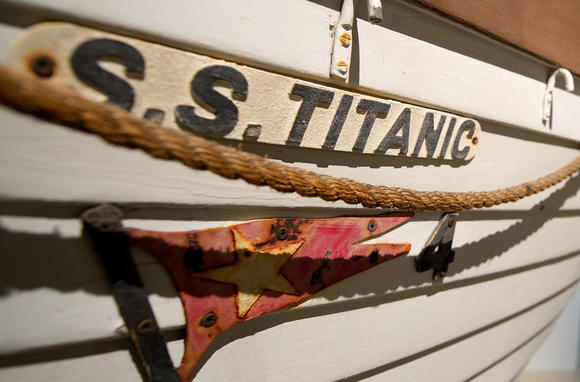 Mariners' Museum holds Titanic dinner