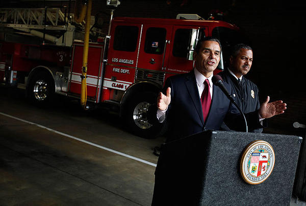 "Mayor Antonio Villaraigosa and Los Angeles Fire Department Chief Brian Cummings are shown during a news conference last month. Villaraigosa has ordered Cummings to reveal more data to the public, saying the department ""needs more transparency, not less."""