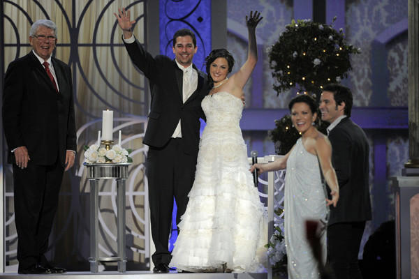 "The Academy of Country Music Awards on Sunday had shades of a reality show, <a href=""http://latimesblogs.latimes.com/music_blog/2012/04/swift-lambert-big-winners-at-academy-of-country-music-awards.html"">with an onstage wedding between New Jersey couple Christina Davidson and Frank Tucci</a>, the surreal meeting of cartoonish hard rock band KISS and country trio Lady Antebellum, and Toby Keith singing a loopy love song to a plastic beverage container with help from Wayne Newton and Carrot Top. It was Las Vegas, after all. Oh, and Taylor Swift won for entertainer of the year."