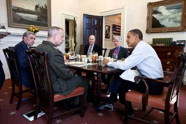 President Barack Obama has lunch with, from left: Lt. Gen. Doug Lute, Senior Director for Afghanistan and Pakistan; General John Allen, Commander, U.S. Forces Afghanistan; National Security Advisor Tom Donilon; and Ryan Crocker, U.S. Ambassador to Afghanistan, in the Oval Office Private Dining Room, March 12, 2012.