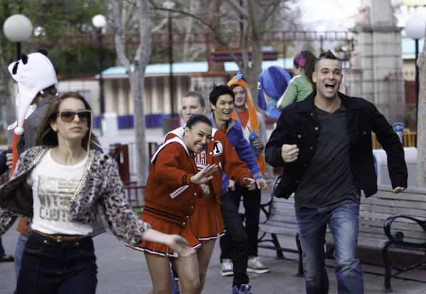 "It was time for seniors to ditch class for the amusement park on last night's ""Glee."""