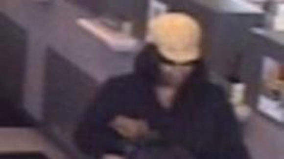 Woman robs bank in Old Irving Park neighborhood