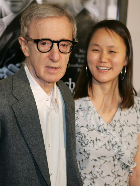 76-year-old Woody is currently married to his ex-lover Mia Farrow's 41-year-old adopted daughter. Normal.