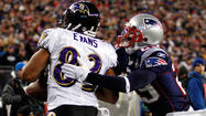 Wide receiver Lee Evans, who was released by the Ravens last month in a cost-cutting move, will sign a one-year deal Monday with the Jacksonville Jaguars, according to ESPN's Adam Schefter.