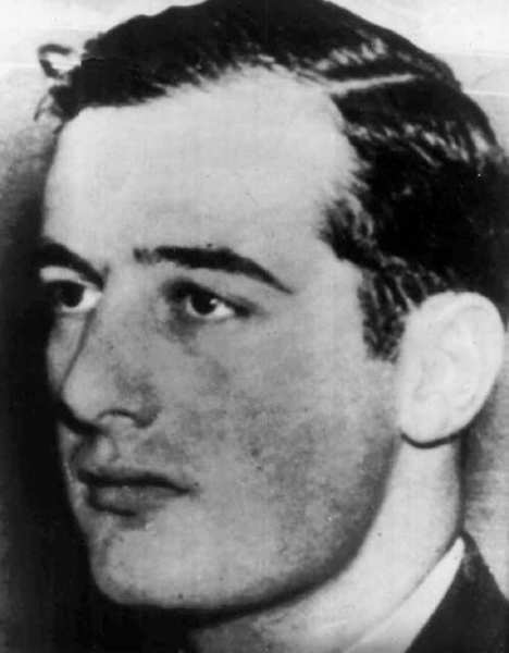World War II hero Raoul Wallenberg would be among the recipients of a Congressional Gold Medal under measures recently approved in the House.