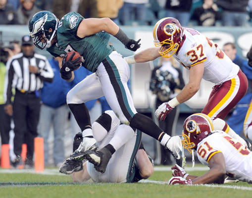 Philadelphia Eagles tight end Brent Celek (87) powers in for a touchdown against the Washington Redskins at Lincoln Financial Field in Philadelphia on Sunday.