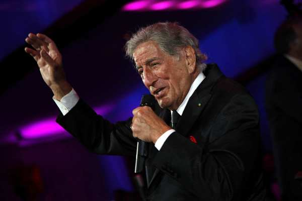 "<a href=""https://twitter.com/#!/itstonybennett/status/192742871164653568 "" target=""_blank"">@itstonybennett</a> <a class=""taxInlineTagLink"" id=""PECLB001579"" title=""Dick Clark"" href=""/topic/entertainment/dick-clark-PECLB001579.topic"">Dick Clark</a> was a great guy and one of the first people to play my records. He will be missed."
