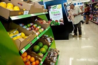 Walgreen's in a food desert on Chicago's South Side as part of an effort to improve food access.