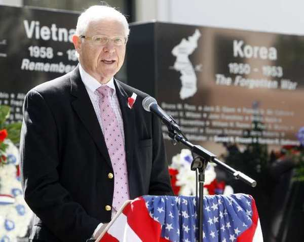 Supervisor Mike Antonovich addresses a crwod at a Memorial Day ceremony last year in Glendale.