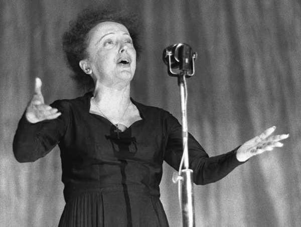 """I regret nothing,"" Edith Piaf famously sang (in French). That's a very healthy outlook to have in old age, a study finds."