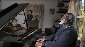 Pianist Emery Smith To Close 'Baby Grand' Jazz Series