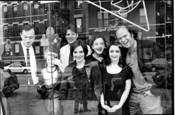 Second City castmates posing for a pic.