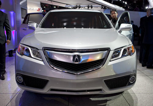"<a href=""http://www.cars.com/acura/rdx/2013/"">2013 Acura RDX prices, photos & reviews</a>"