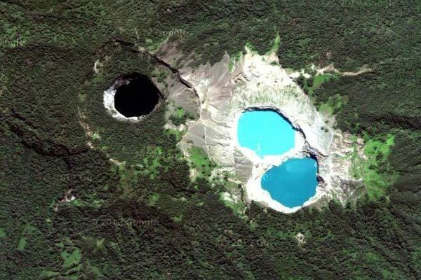 Offbeat Traveler: Mt. Kelimutu in Indonesia - Satellite view