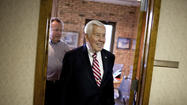 "<span style=""font-size: small;"">SOUTH BEND -- U.S. Sen. Richard Lugar has be-come an Indiana political</span>"
