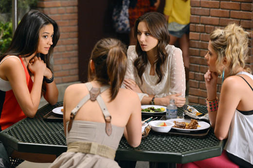 'Pretty Little Liars' Season 3 pictures: Pretty Little Liars Season 3, episode 1