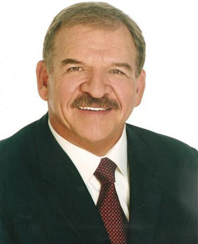 Six-time Pro Bowler, NFL Hall of Famer and broadcaster Dan Dierdorf will be the keynote speaker at the 67th Annual Varsity Awards Banquet at the Petoskey High School 6 p.m. Wednesday, May 30.