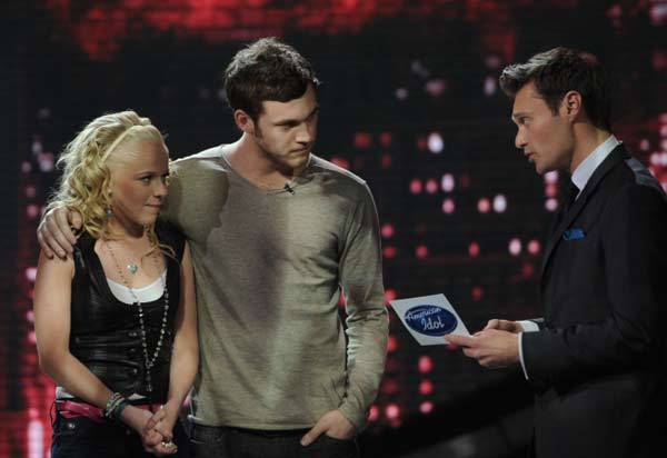 "Ryan Seacrest reveals that Hollie is in the bottom two on ""American Idol"" on May 3, 2012."