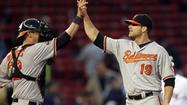 DH Chris Davis pitches two scoreless innings as Orioles beat Red Sox in 17