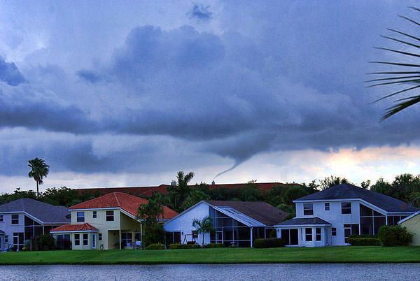 Weather conditions spawn funnel cloud over Everglades in west Broward
