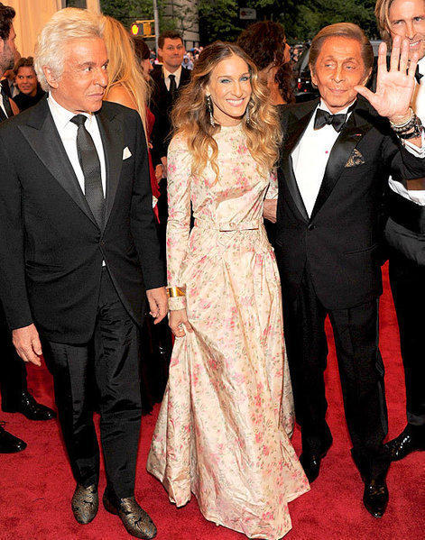 "Giancarlo Giammetti, Sarah Jessica Parker and Valentino Garavani attend the ""Schiaparelli and Prada: Impossible Conversations"" Costume Institute Gala at the Metropolitan Museum of Art in New York City. It's more commonly known as the Met Gala."